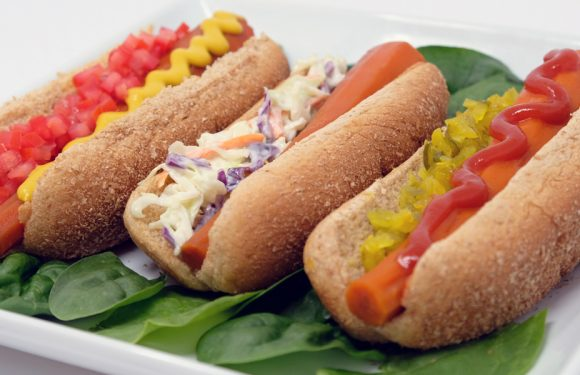 Vitamin Bee ® Carrot Hot Dog Dinner
