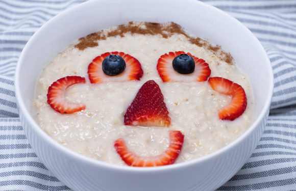 Vitamin Bee ® Breakfast Funny Face Oatmeal
